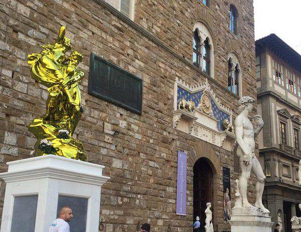 David di Michelangelo (1504) | Pluto e Proserpina di Jeff Koons (2013) | Ingresso Palazzo Vecchio - Firenze | Settembre 2015 - Dicembre 2015